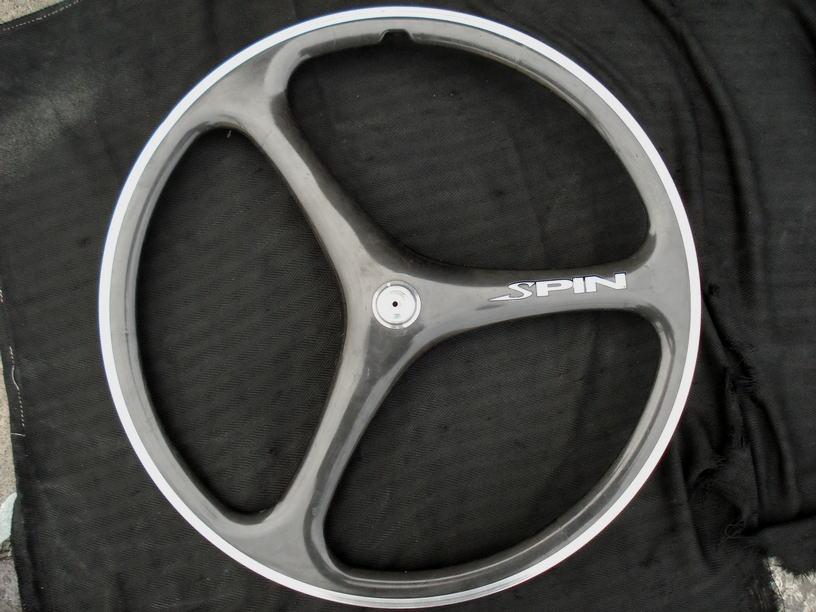 自転車カーボンホイールの塗装